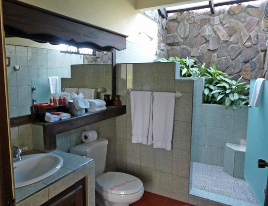 Arenal Springs Resort and Spa : Arenal Springs Resort Bathroom