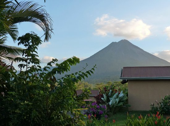 Arenal Springs Resort and Spa : Mt. Arenal from Bedroom patio