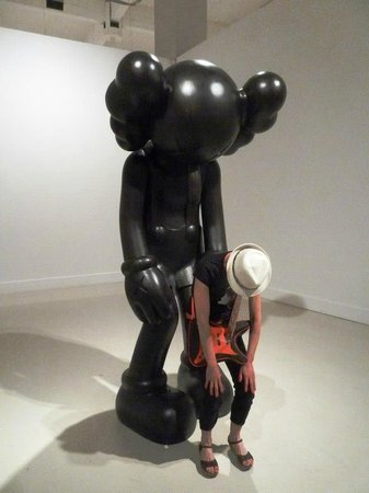 "Cac Malaga Centro de Arte Contemporaneo de Malaga : KAWS ""Final Days"" with Carmen Ojeda"