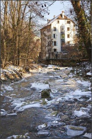 Hotel-Restaurant La Maison du Prussien : La Maison du Prussien en hiver