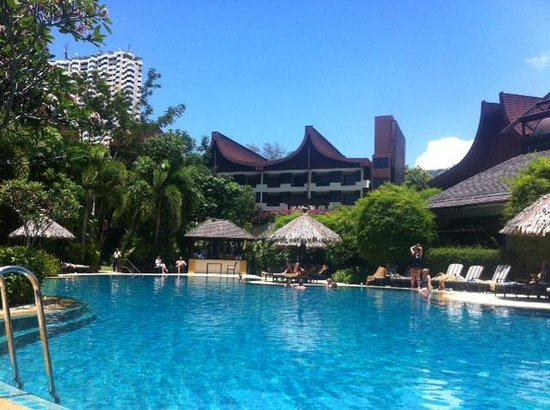 Shangri-La's Rasa Sayang Resort & Spa : Pool view