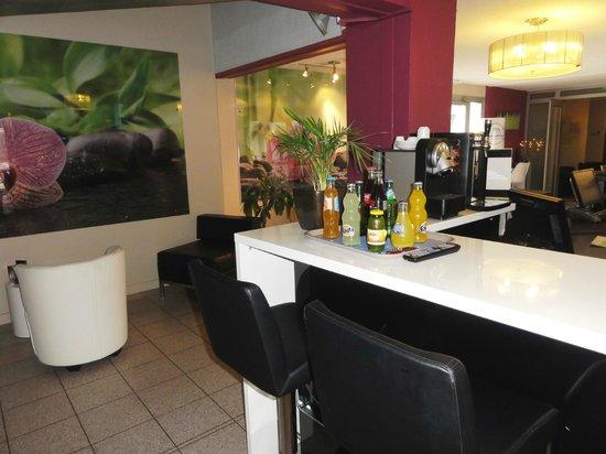 Kyriad Montpellier Sud - Lattes: Espace Bar