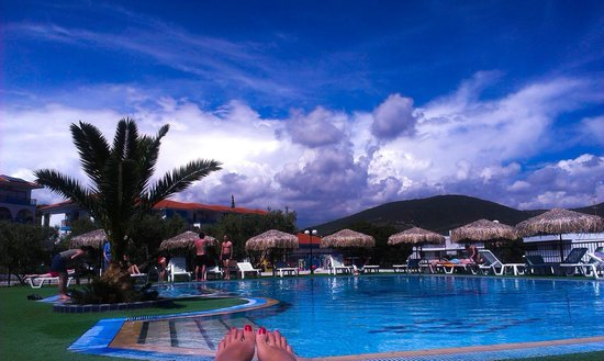 Sonia Village Hotel: Pool