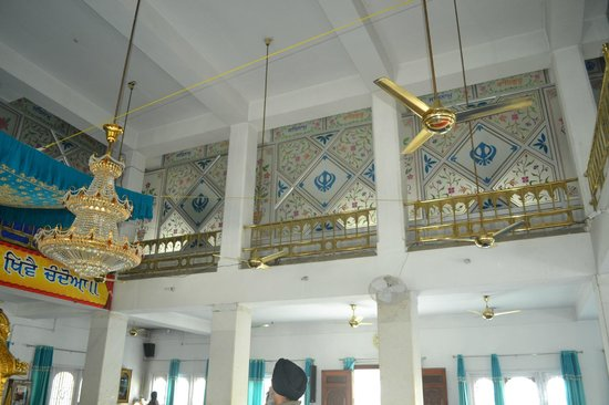 Gurudwara Ramsar Sahib: the beauty full work of mirrors