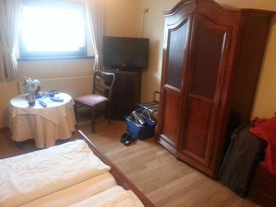 Hotel Restaurant Lothringer Hof : Zimmer1