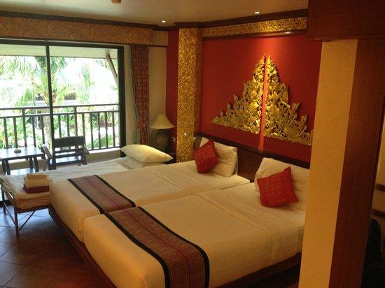 Kata Palm Resort & Spa : The room