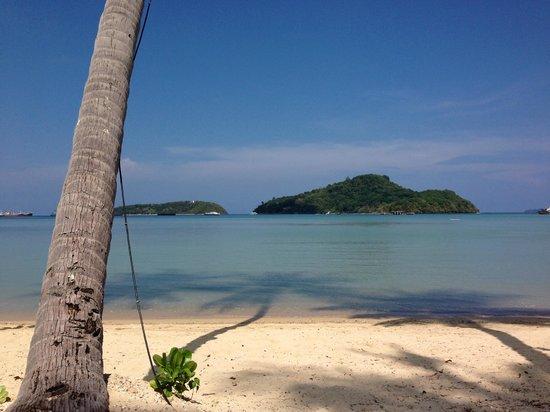 Phuket Panwa Beachfront Resort: Beach