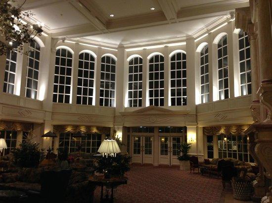 Disneyland Hotel : Hall