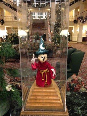 Disneyland Hotel : Figurines Hall