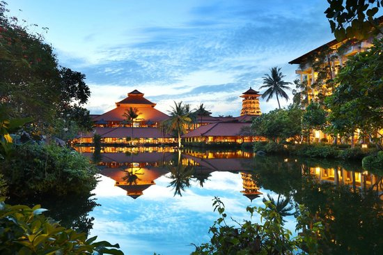Ayodya Resort Bali in the evening