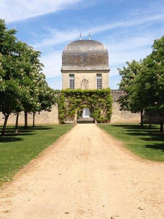 Château de Sales: Porche d'entrée