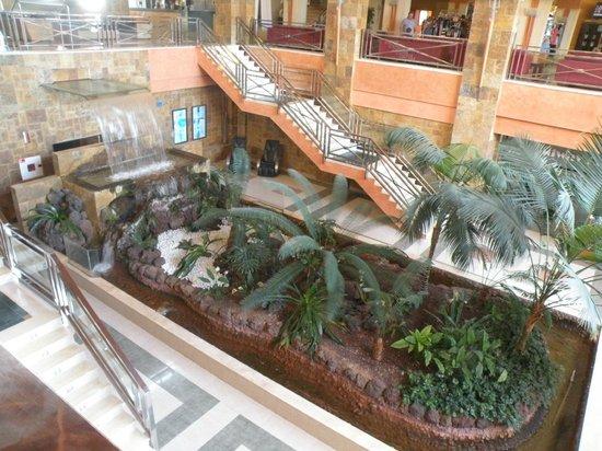 Hotel Elba Sara : La fontana interna