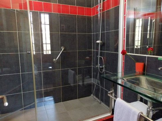 Hostal Boutique Bella 269: Ensuite bathroom