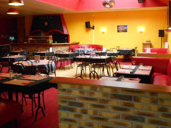 Chez Ingrid & Franck : Poste à Pizzas