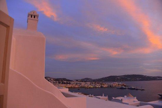 Porto Mykonos Hotel: ミコノスタウンの夕焼け