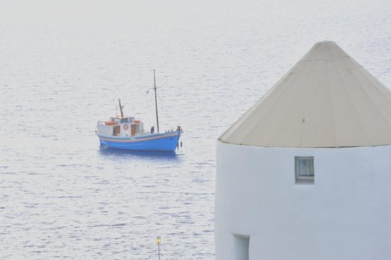 Porto Mykonos Hotel : 異国情緒あふれる建物。船。