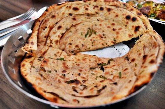 Aromas of India: Mehti Paratha