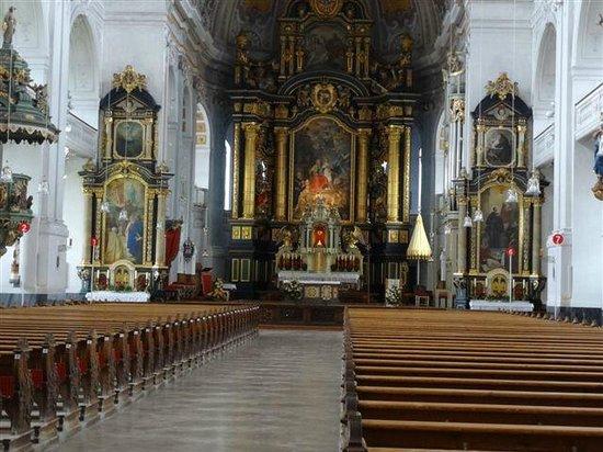 Basilika St. Anna: Das Innere von Santa Anna