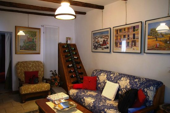 Holidays in Gittana : Living Area with selection of wines