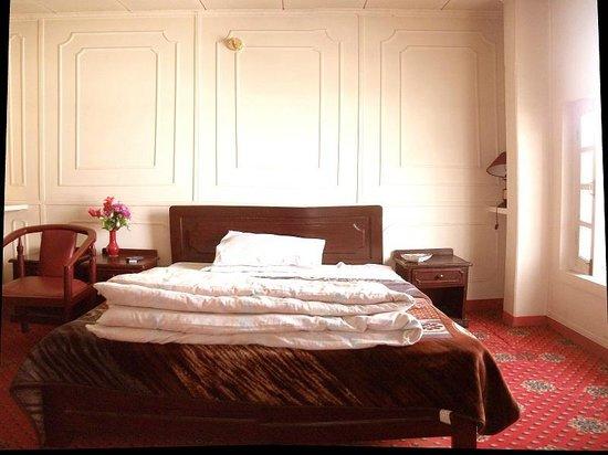 Hotel DewaneKhas Skardu: skardu hotel room in dewanekhas