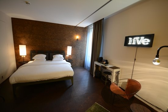 Hotel V Nesplein : vue générale chambre 101