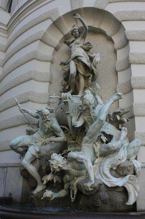 Historisches Zentrum von Wien: фонтаны-близнецы