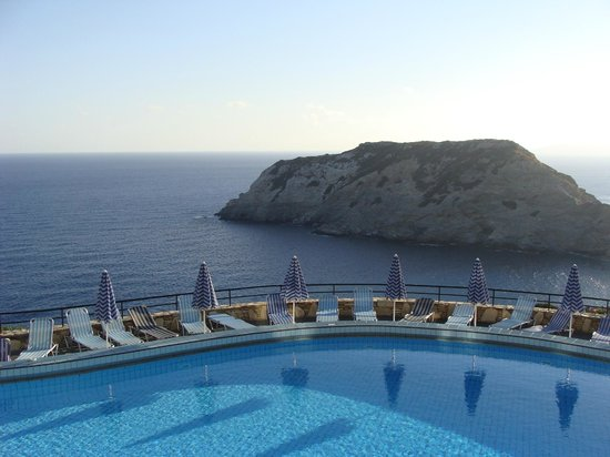 CHC Athina Palace Resort & Spa : Piscine