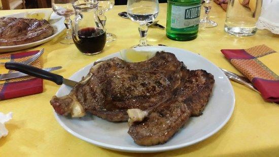 Ronciglione, Italy: Ottimo manzo da 800 gr