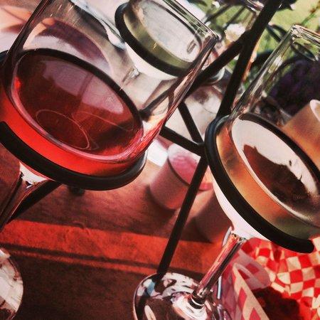 Amici Ristorante Italiano: ワイン4種