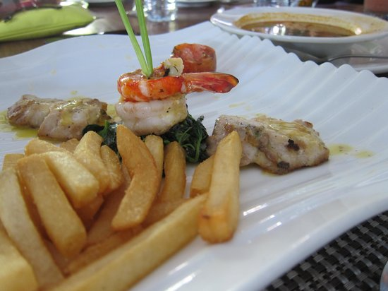 Square Restaurant : Grilled prawn with fish