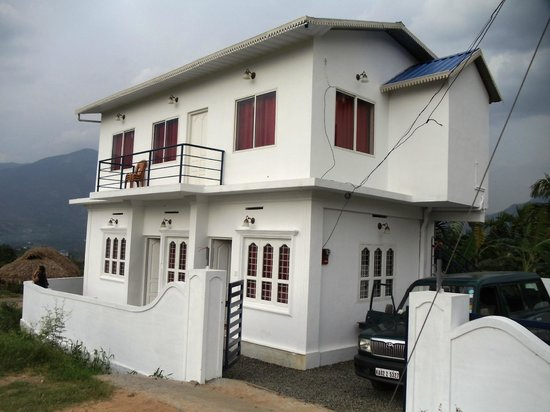 Marayoor Tourist Home: WEST VIEW COTTAGE