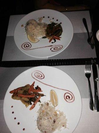 Les Canisses Resto et Bar : Accompagnement plateau fruit de mer légumes sauté et riz frit parfumé