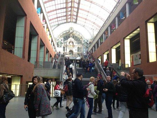 Bahnhof Antwerpen-Centraal: Subiendo