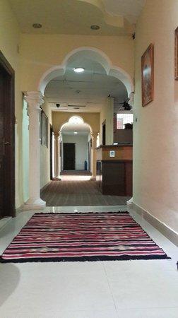 Abbasi Palace: ^_^