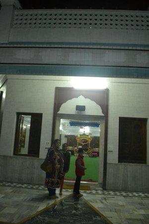 Gurudwara Mata Kaulan: main darbar hall