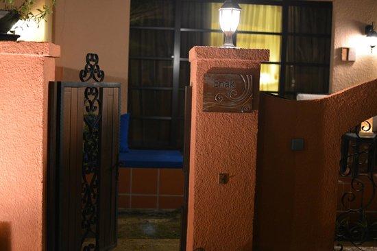 Casa del Mar, Langkawi: 玄関プールサイドです