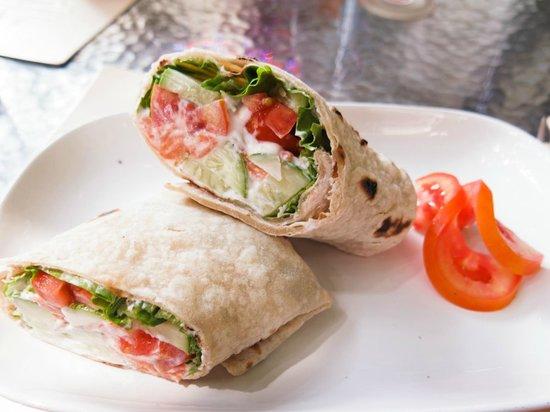 Fitness Cafe : Salmon Wrap