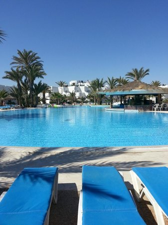 Fiesta Beach Club Djerba : Piscine centrale