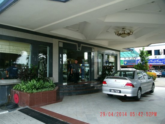 Grand City Hotel: Front