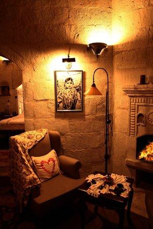 Terra Cave Hotel: süit oda