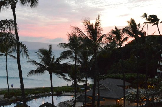 Sheraton Maui Resort & Spa: Sunset from our room