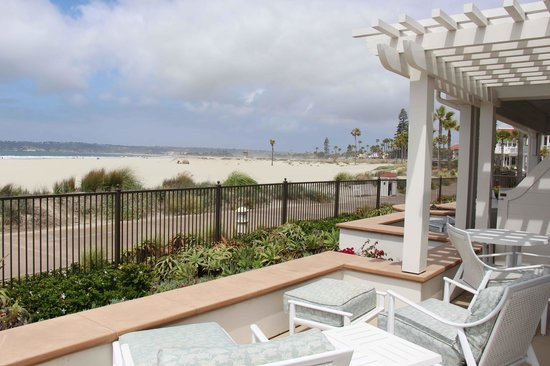 Hotel del Coronado: Terrasse am Strandweg