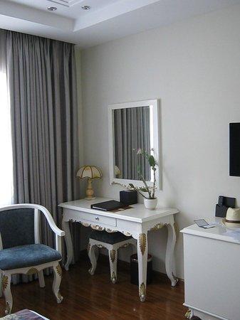 Alagon Saigon Hotel & Spa: Great room design