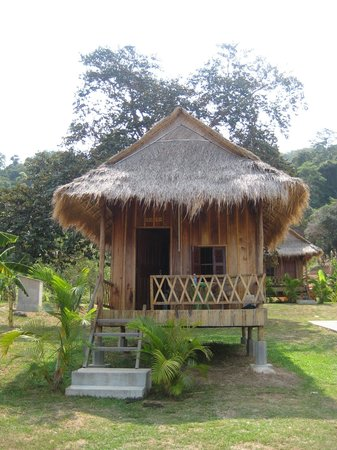Q Bungalows: Wooden bungalow (basic but great value)