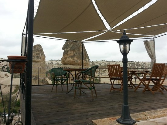Goreme Suites: Outdoor view you can enjoy when u sit upstair