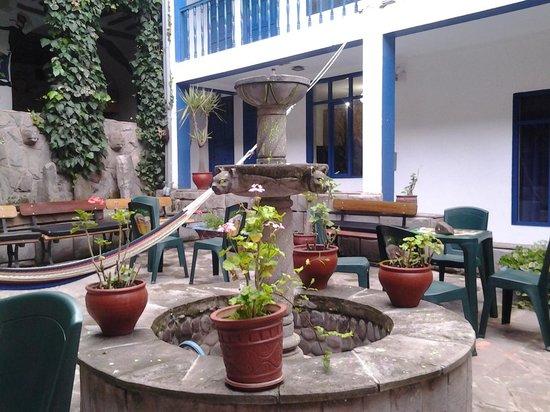 Milhouse Hostel Cusco: Interior do Hostel