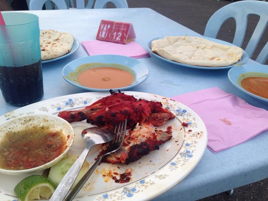 Pak Putra Tandoori & Naan Restaurant: *タンドリーチキン*チーズナン*カシミールナン