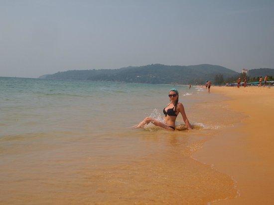 Baan Kata Maytha: пляж Карон
