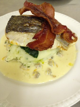 Whipsiderry Hotel: Grilled Cornish Hake with a Cockle cream sauce