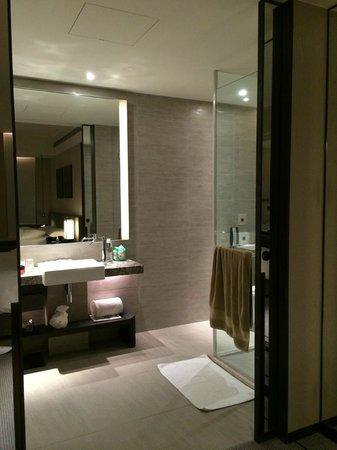 Humble House Taipei: bathroom
